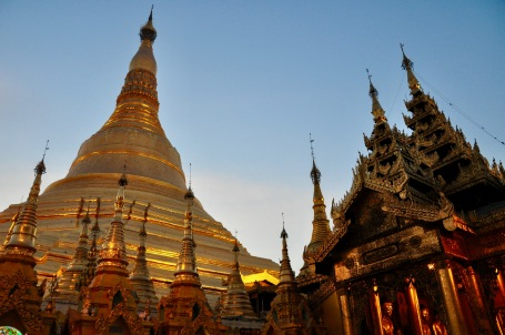 Shwedagon Pagoda sunset