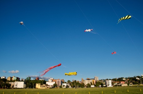 Kite flying, Encarnación